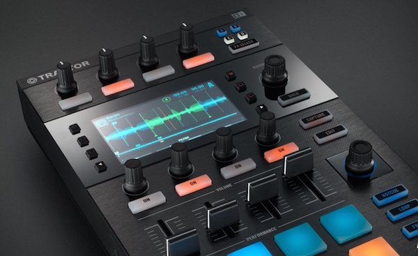 img-ce-gallery-traktor_kontrol_d2_01_intro_gallery_3-843742286f8836beacce29326533325e-d